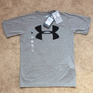 NWT youth xs under armour t-shirt!